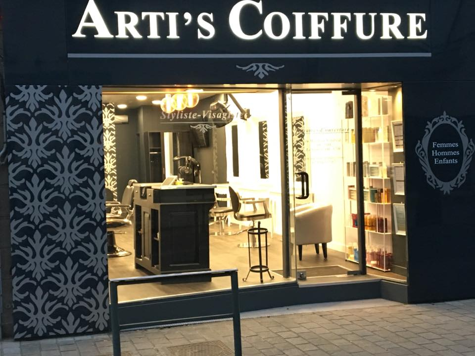 Arti's Coiffure - Châteaubourg